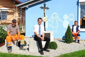 Kreuz Kinderhaus aufgestellt