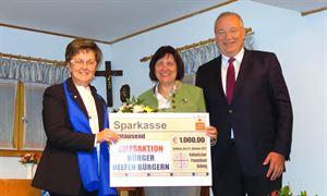 Bild_2_Spende 1000 Euro Landratsgattin