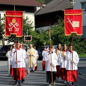 Kirchenjubiläum_Bild 1_Liturgischer Dienst Kirchenzug